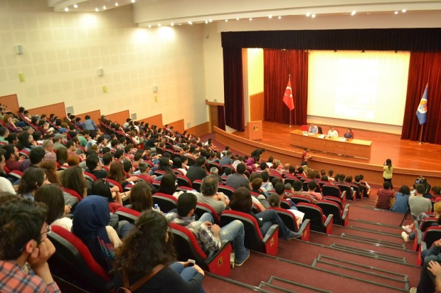mersin-universitesi-nefret-suclari-paneli